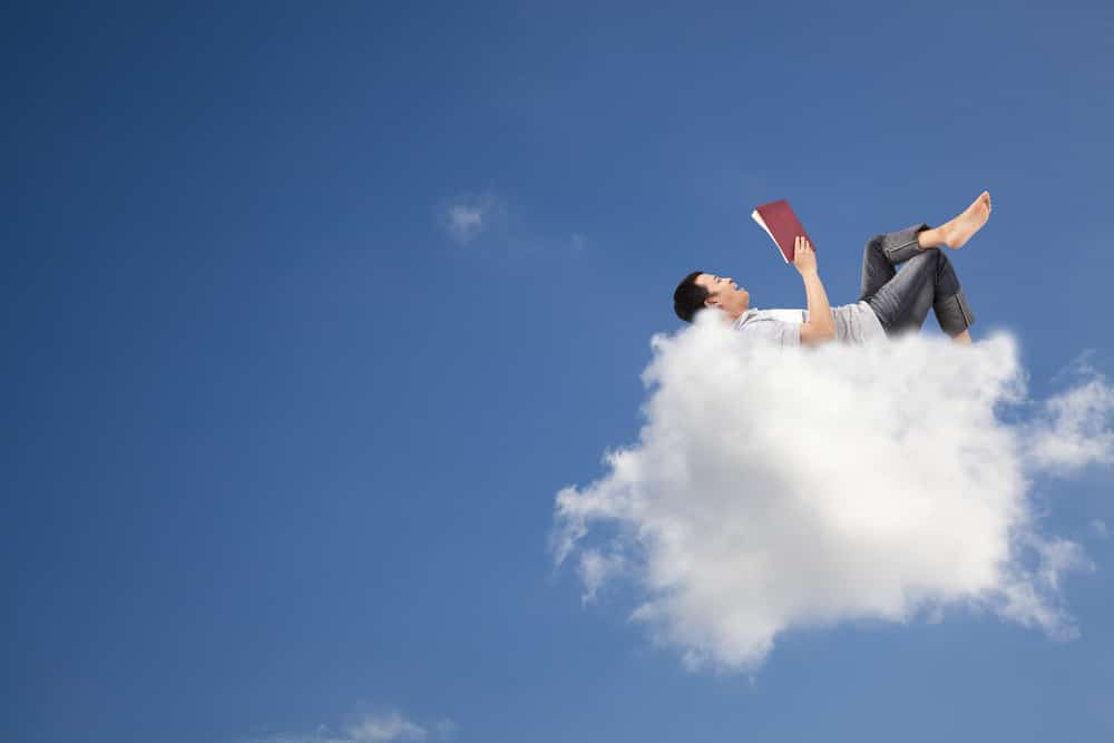 introverti sur un nuage